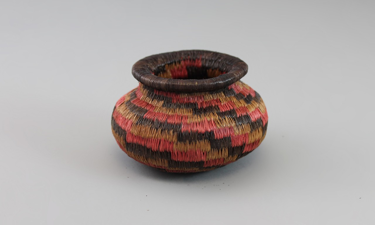 Coils and Swamp Oils: Baskets of the Emberá-Wounaan