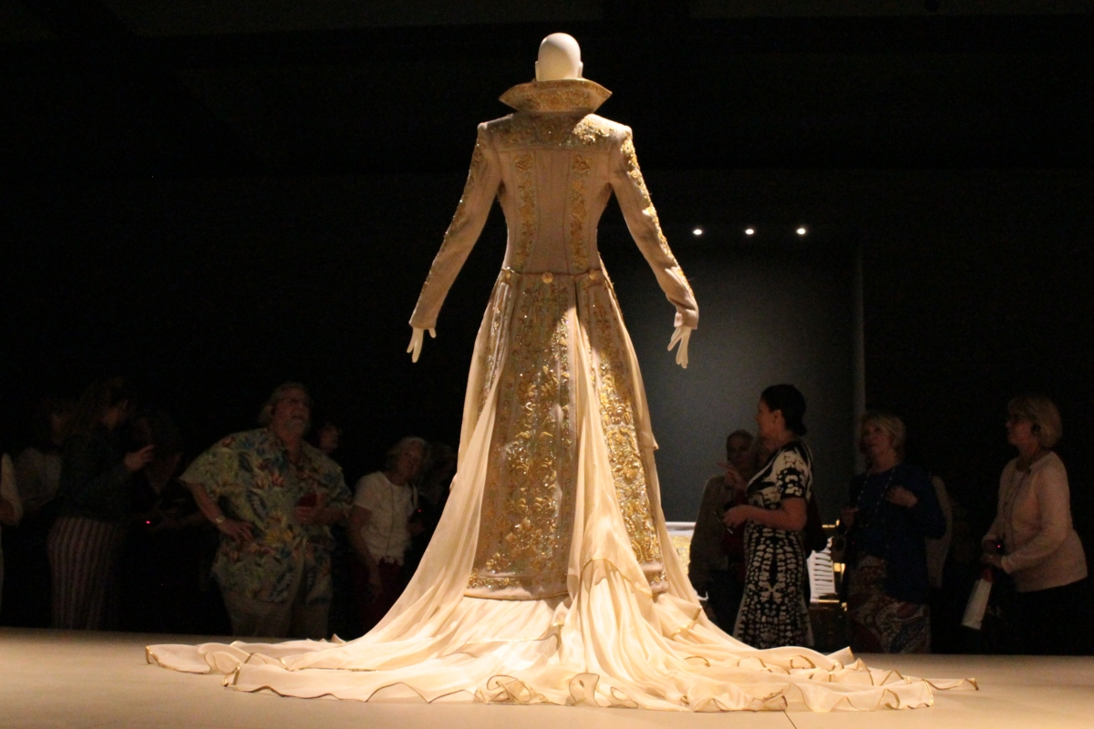 Guo Pei: Touring with the Expert